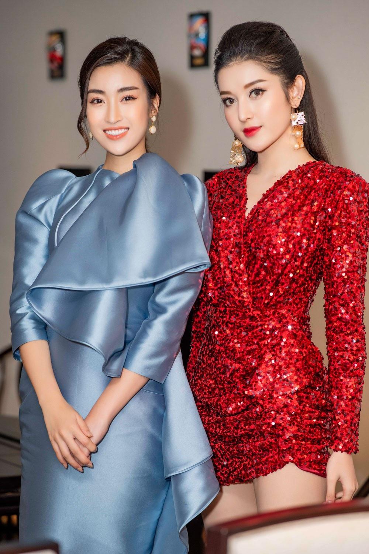 """Á hậu Huyền My gợi cảm """"đọ dáng"""" cùng Hoa hậu Mỹ Linh - Ảnh 5."""