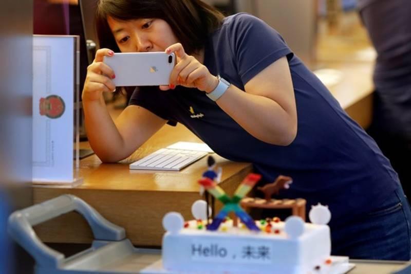 Giá iPhone XR và XS giảm mạnh trước Tết vì ế ẩm - Ảnh 2.
