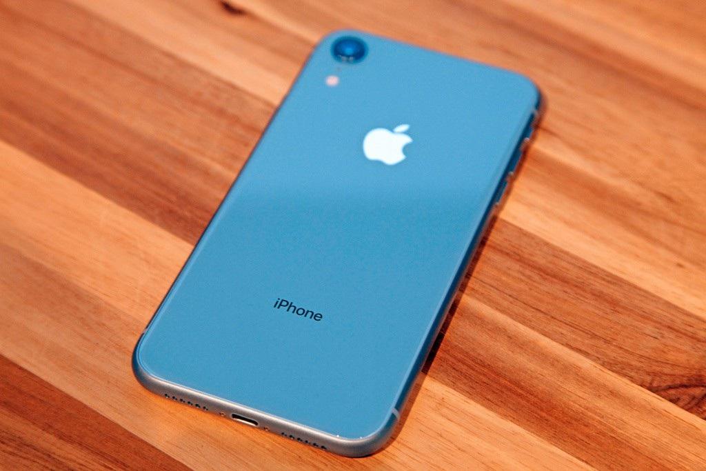 Giá iPhone XR và XS giảm mạnh trước Tết vì ế ẩm - Ảnh 1.