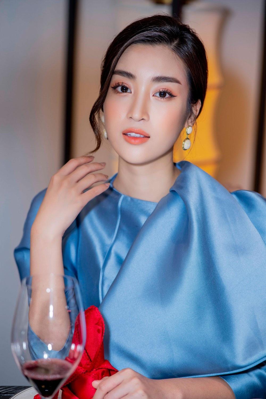 """Á hậu Huyền My gợi cảm """"đọ dáng"""" cùng Hoa hậu Mỹ Linh - Ảnh 8."""