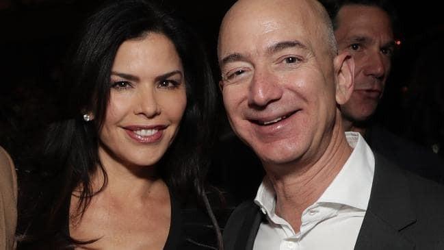 """Tỷ phú Amazon """"bẽ mặt"""" vì tình nhân khoe khoang làm lộ tin nhắn mùi mẫn - Ảnh 1."""