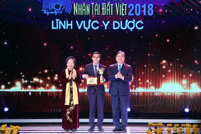 Chủ nhân giải nhất Nhân tài Đất Việt trao 200 triệu tiền giải thưởng cho bệnh nhân, người nghèo - Ảnh 4.