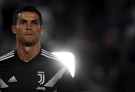 C.Ronaldo bị thu thập mẫu DNA để cảnh sát điều tra hiếp dâm - Ảnh 1.