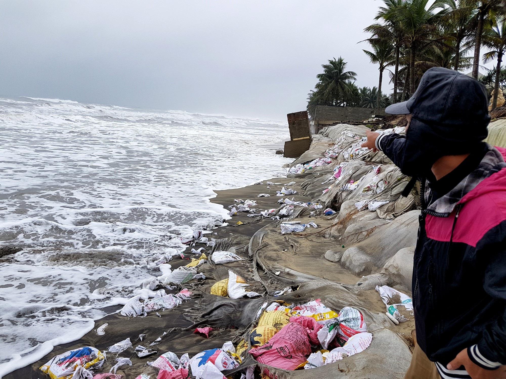 Quảng Nam xin Chính phủ 700 tỷ đồng để chống xói lở bờ biển Cửa Đại - Ảnh 1.