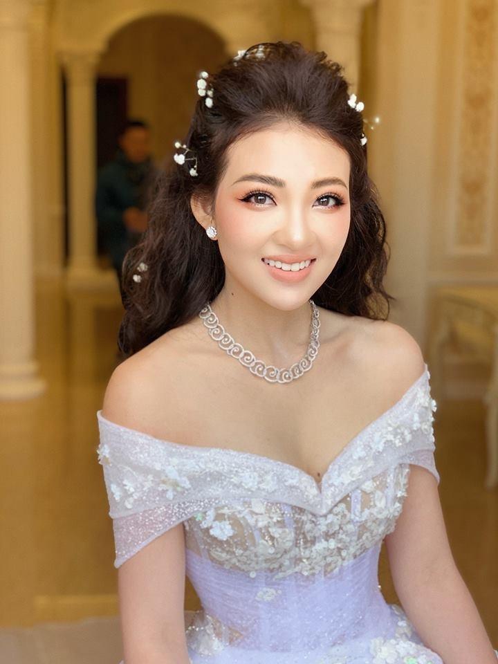 Ảnh cưới long lanh từ Nam ra Bắc của cô dâu Nam Định đeo vàng trĩu cổ, ở lâu đài 7 tầng - Ảnh 2.