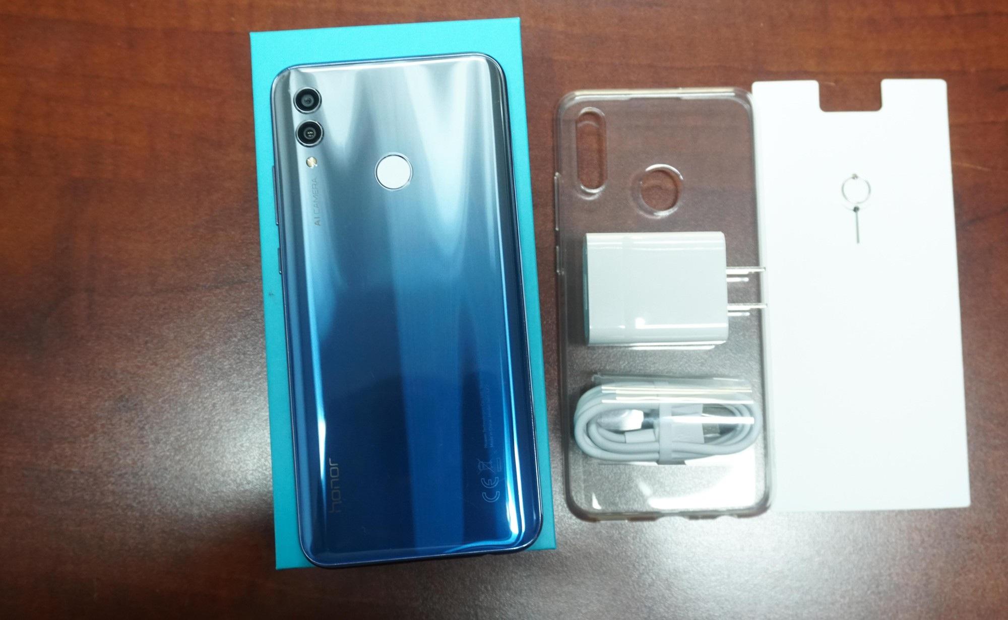 Đập hộp Honor 10 Lite - smartphone tầm trung sắp bán ở Việt Nam với giá khoảng 5 triệu đồng - Ảnh 3.
