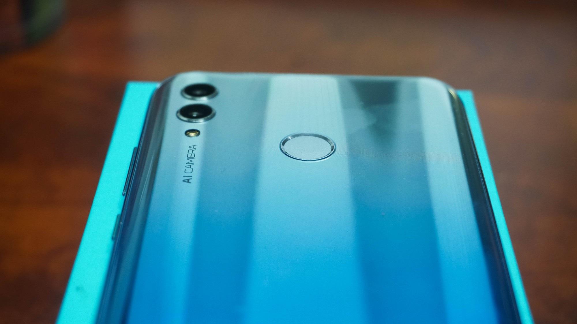 Đập hộp Honor 10 Lite - smartphone tầm trung sắp bán ở Việt Nam với giá khoảng 5 triệu đồng - Ảnh 6.