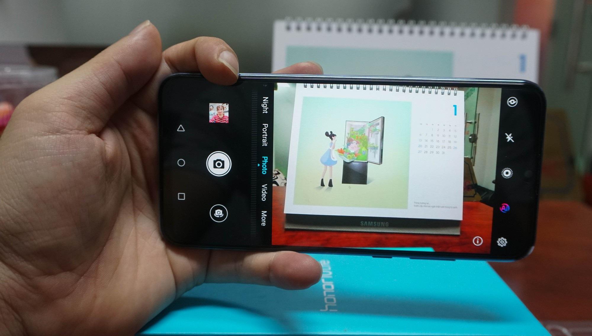 Đập hộp Honor 10 Lite - smartphone tầm trung sắp bán ở Việt Nam với giá khoảng 5 triệu đồng - Ảnh 9.