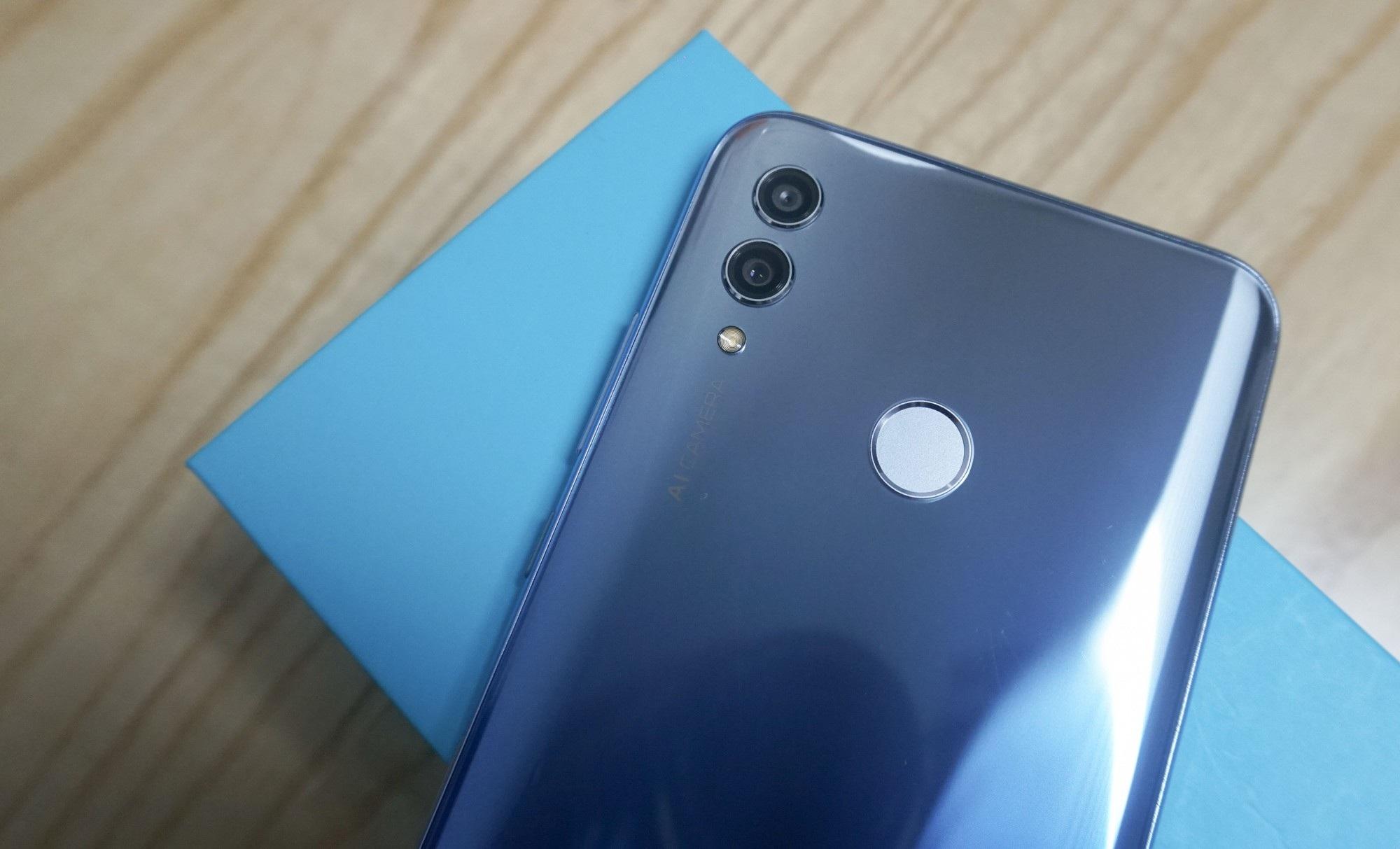 Đập hộp Honor 10 Lite - smartphone tầm trung sắp bán ở Việt Nam với giá khoảng 5 triệu đồng - Ảnh 7.