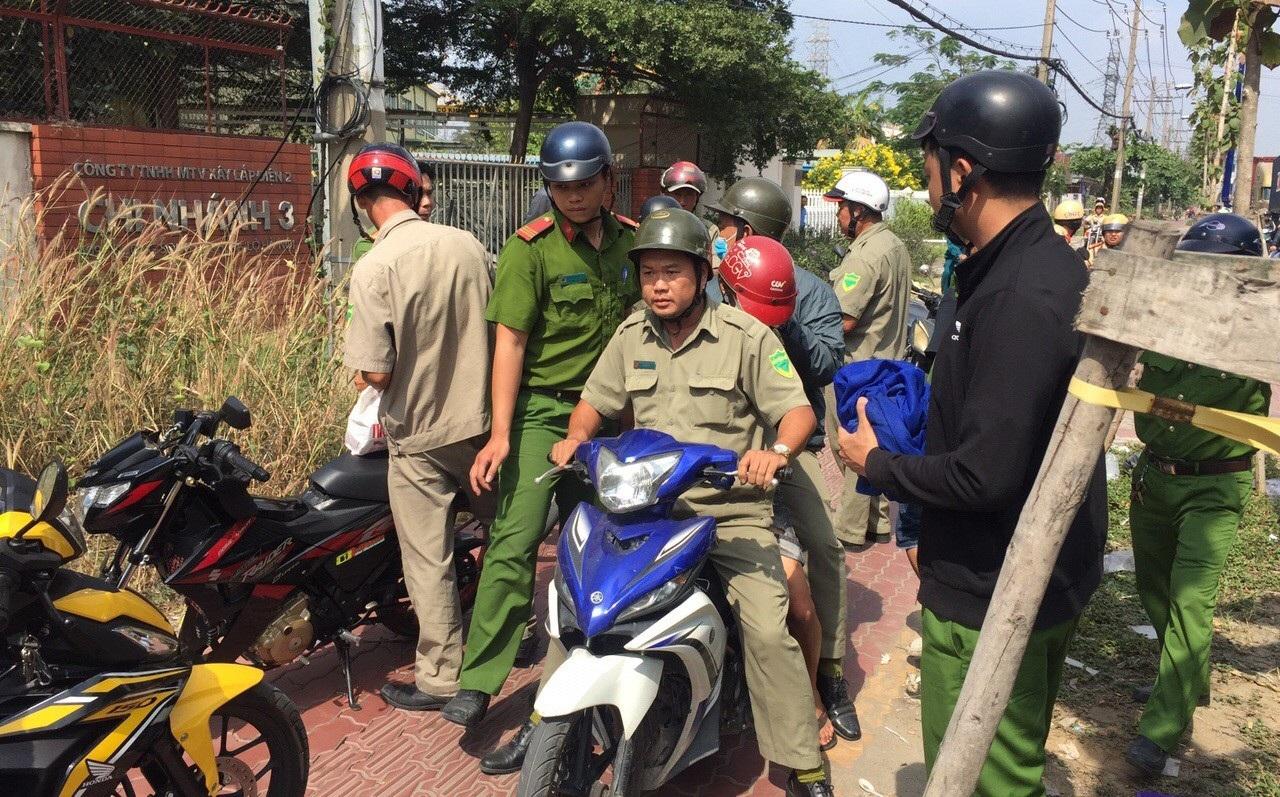 """Cảnh sát phá """"bí mật"""" trong con gấu bông của gã thanh niên ở cửa ngõ Sài Gòn - Ảnh 5."""
