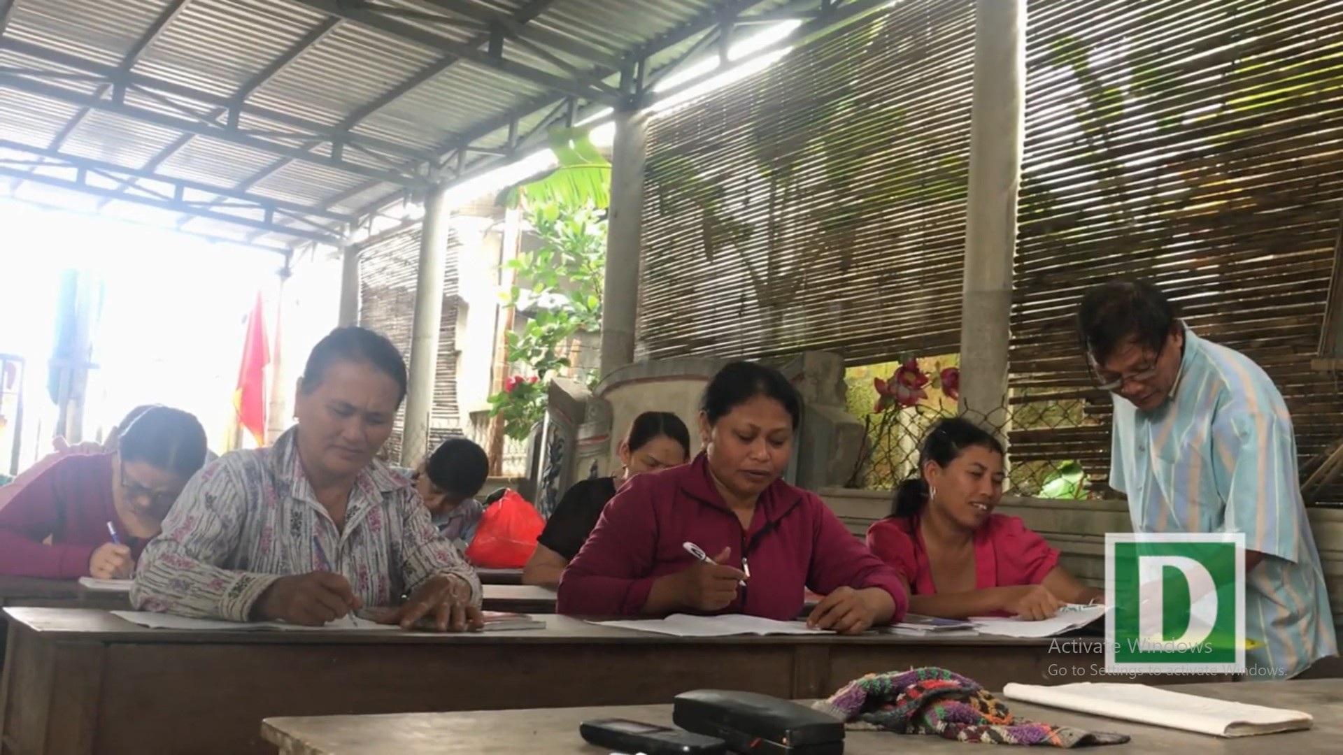 """Người thầy U80 """"chở chữ"""" miễn phí cho người dân sông nước Phú Vang - Ảnh 10."""