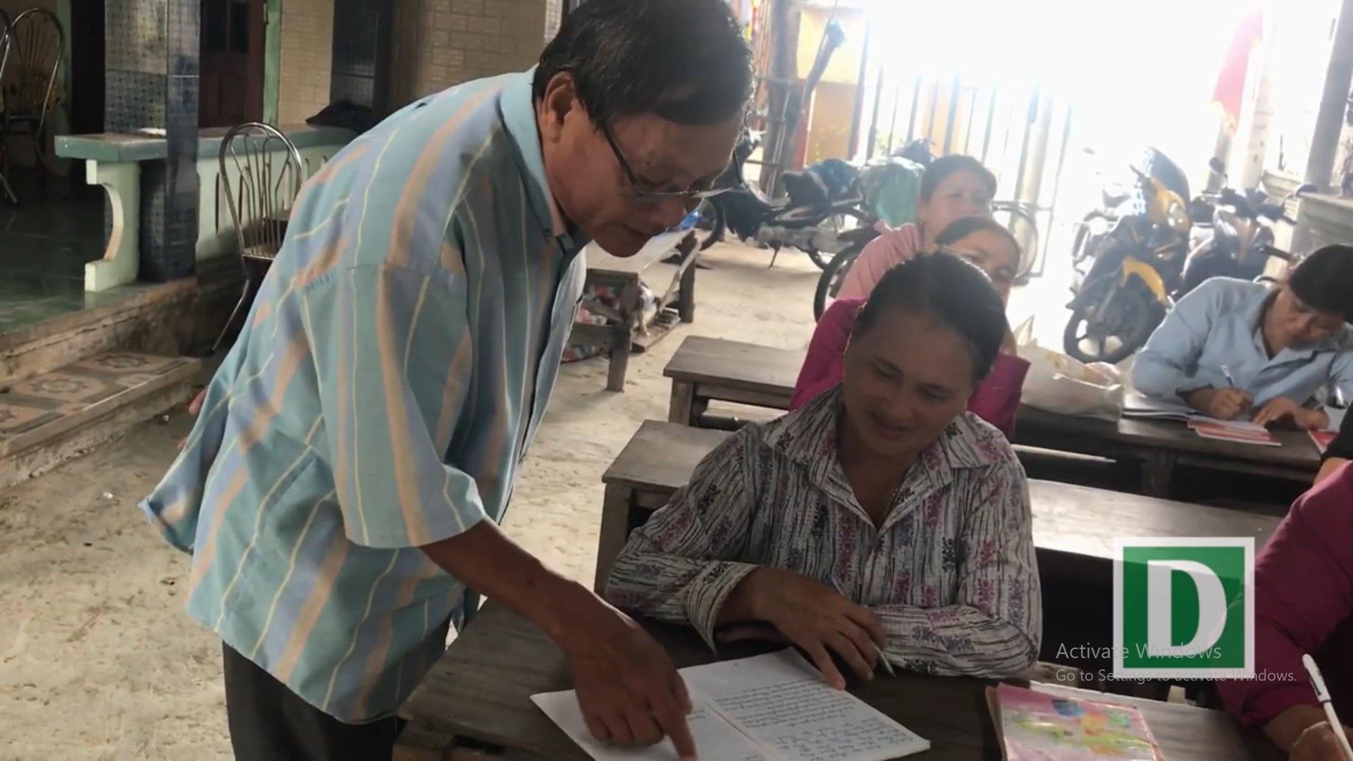 """Người thầy U80 """"chở chữ"""" miễn phí cho người dân sông nước Phú Vang - Ảnh 6."""