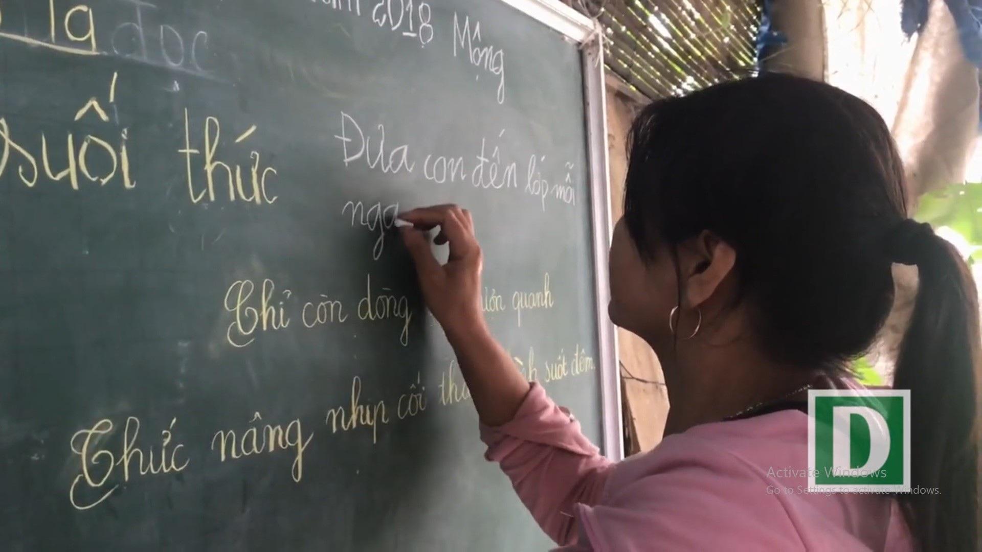 """Người thầy U80 """"chở chữ"""" miễn phí cho người dân sông nước Phú Vang - Ảnh 7."""