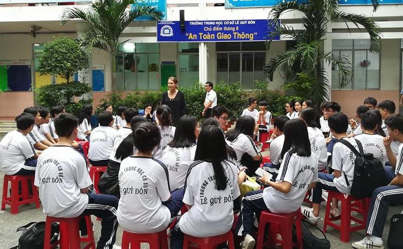 TPHCM: Trường học phải báo cáo khi đón khách nước ngoài - Ảnh 1.