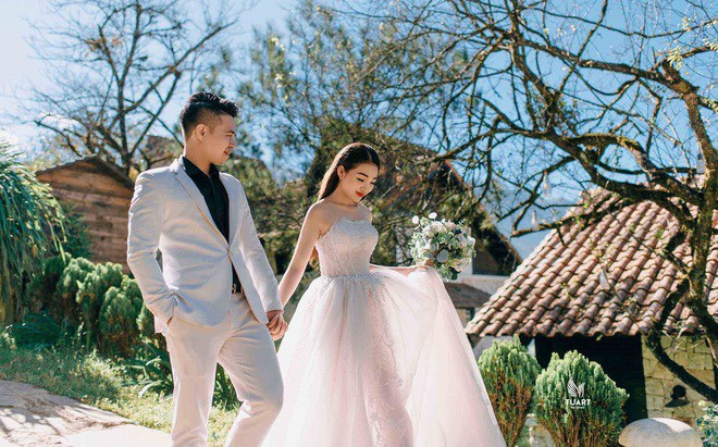 Ảnh cưới long lanh từ Nam ra Bắc của cô dâu Nam Định đeo vàng trĩu cổ, ở lâu đài 7 tầng - Ảnh 1.