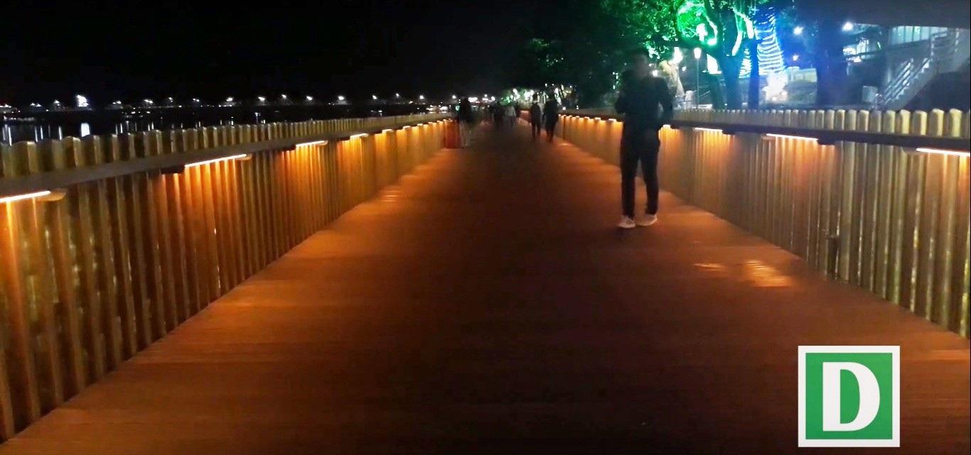 Thích thú với đường đi bộ bên sông Hương tuyệt đẹp về đêm - Ảnh 7.