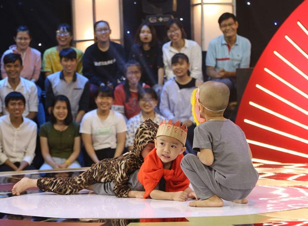 5 chú tiểu nhóm Bồng Lai phá kỷ lục, thi 10 vòng thắng 200 triệu đồng - Ảnh 2.