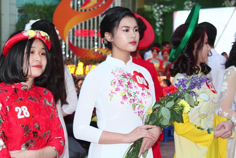 Chung kết cuộc thi học sinh giỏi giang - tài năng - thanh lịch trường Nguyễn Bỉnh Khiêm - Ảnh 4.