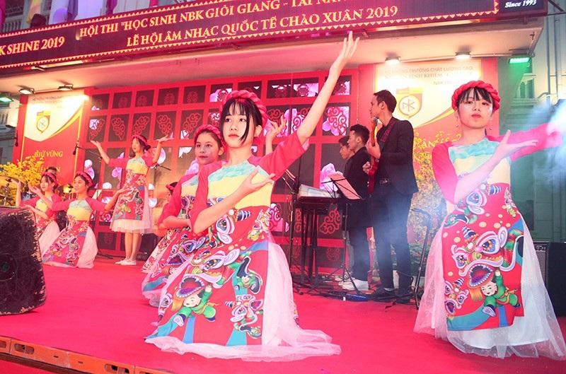 Chung kết cuộc thi học sinh giỏi giang - tài năng - thanh lịch trường Nguyễn Bỉnh Khiêm - Ảnh 9.