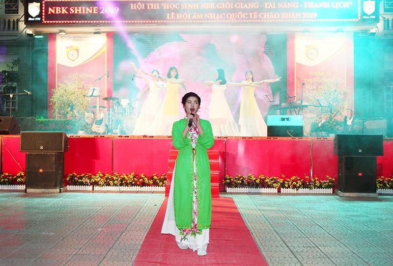 Chung kết cuộc thi học sinh giỏi giang - tài năng - thanh lịch trường Nguyễn Bỉnh Khiêm - Ảnh 8.