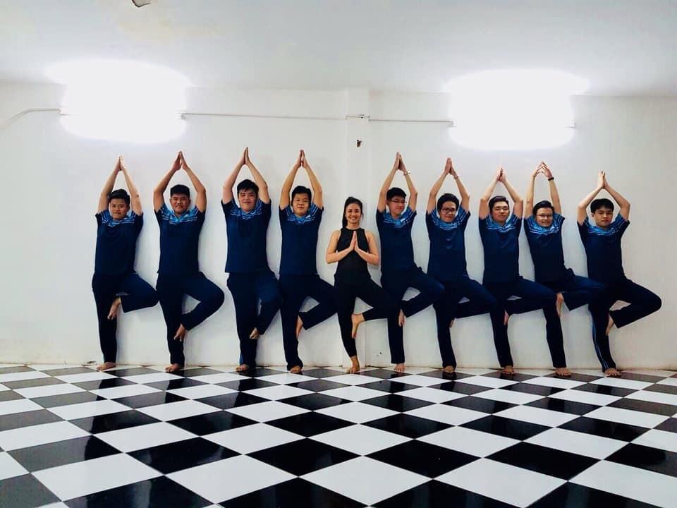 Trường THPT đưa Yoga vào thời khóa biểu chính thức lớp 12 - Ảnh 3.