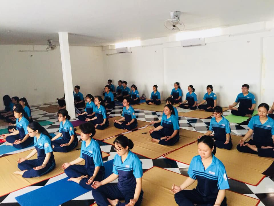 Trường THPT đưa Yoga vào thời khóa biểu chính thức lớp 12 - Ảnh 5.