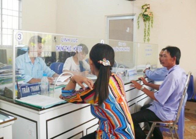 Chủ tịch Cà Mau yêu cầu cán bộ không lơ là công việc trước khi nghỉ Tết - Ảnh 1.