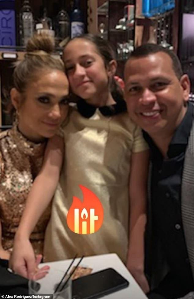 Thân hình săn chắc đáng ngưỡng mộ của Jennifer Lopez - Ảnh 9.