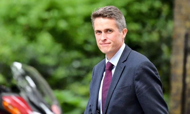Bộ trưởng Quốc phòng Anh Gavin Williamson (Ảnh: REX)