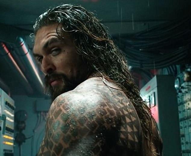 Thân hình đẹp như tượng của Jason trong Aquaman khiến fan nữ ngưỡng mộ.