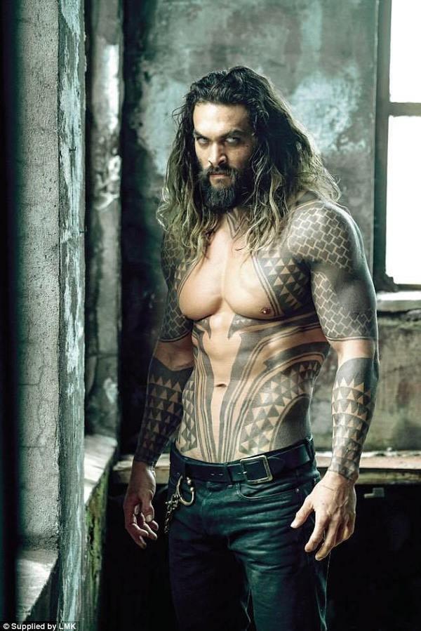 """Ngắm thân hình đẹp như tượng của """"Aquaman"""" Jason Momoa - 10"""