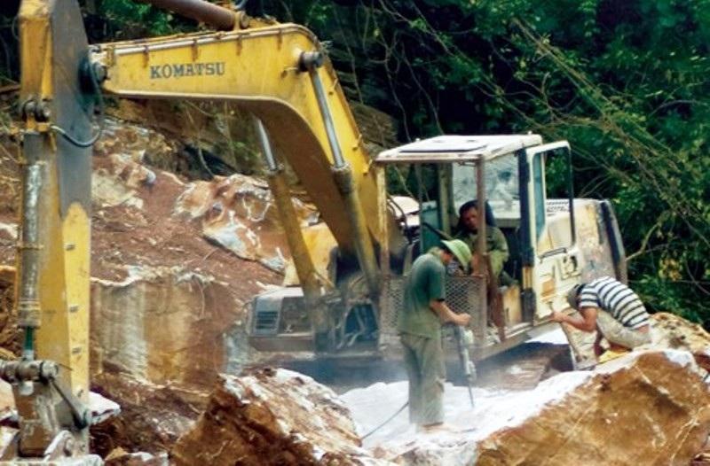 Báo động ô nhiễm môi trường và mất an toàn lao động tại Nghệ An! - Ảnh 2.