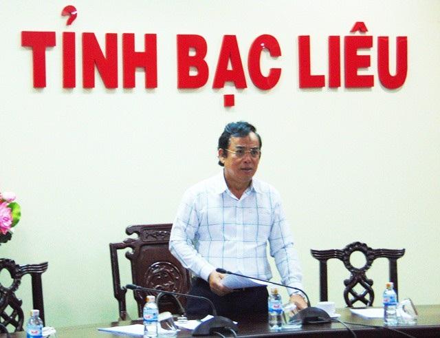 Chủ tịch tỉnh Bạc Liêu Dương Thành Trung chỉ đạo tại cuộc họp.
