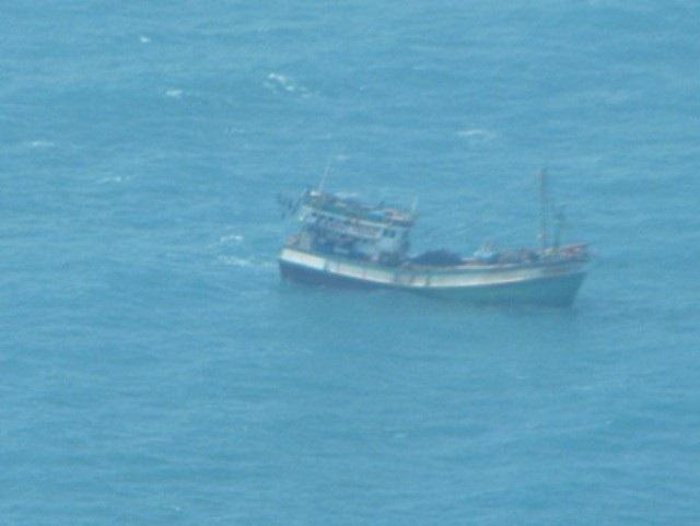 Một tàu cá Bạc Liêu đang gặp nạn trên biển khi bão đang đến gần. (Ảnh minh họa)