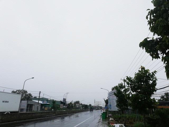 Đến hơn 14h chiều ngày 2/1, địa bàn Bạc Liêu trời vẫn u ám, gió nhẹ, mưa vẫn còn dai dẳng dù không quá lớn.
