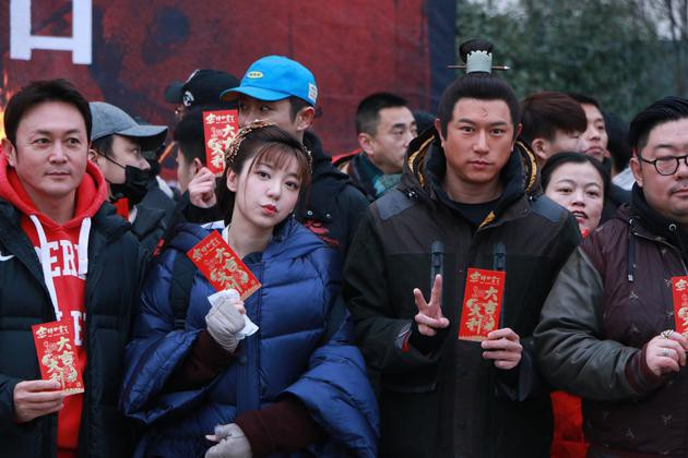 """Vào vai Bao Thanh Thiên, nam diễn viên phải tăng cân """"mãnh liệt"""" - 2"""