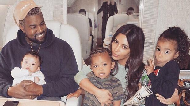 Kim trước đây tiết lộ ước mơ của cô là có bốn đứa con, cô nói với trang E! năm ngoái rằng: Tôi không nghĩ rằng tôi có thể xử lý nhiều hơn thế. Kanye thì muốn có bảy đứa trẻ, điều này thật điên rồ. Tôi không nghĩ điều này có thể, đặc biệt là trong thế giới chúng ta đang sống hiện tại.
