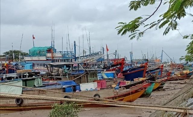 Tàu thuyền neo đậu ở cảng Trần Đề, Sóc Trăng.