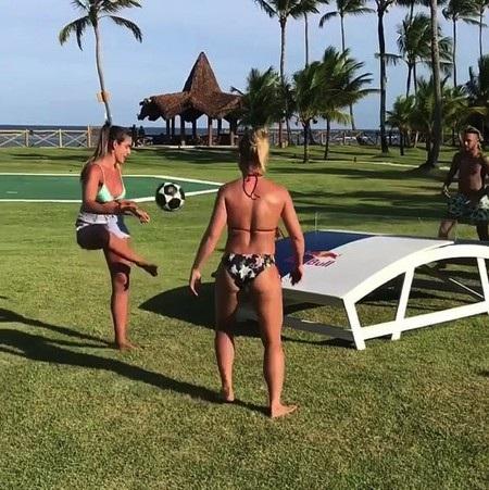 Neymar đón năm mới 2019 tưng bừng bên dàn mỹ nhân - Ảnh 5.