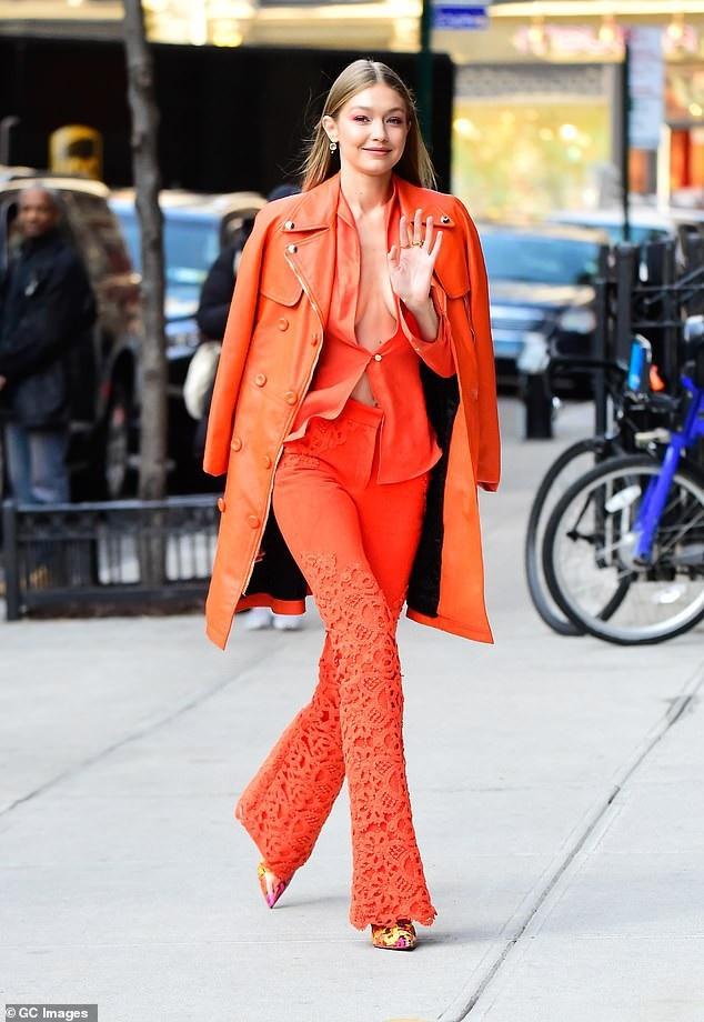 Trong khi đó, người mẫu Gigi Hadid (23 tuổi) nhận được giải Người mẫu của năm do công chúng bình chọn.