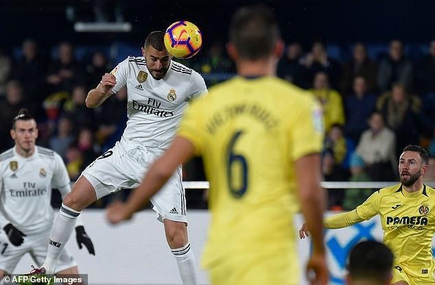 Benzema ngay lập tức gỡ hòa 1-1 cho Real Madrid