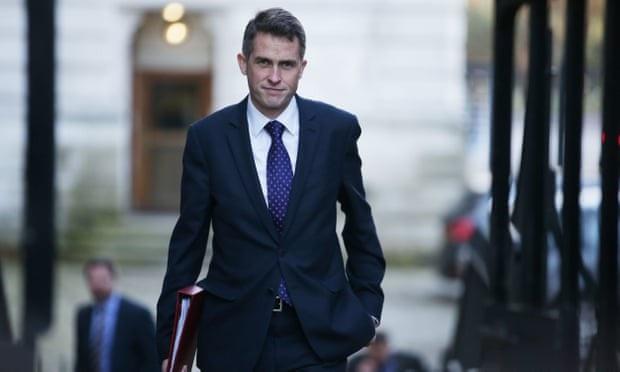 Bộ trưởng Quốc phòng Anh Gavin Williamson (Ảnh: AFP)
