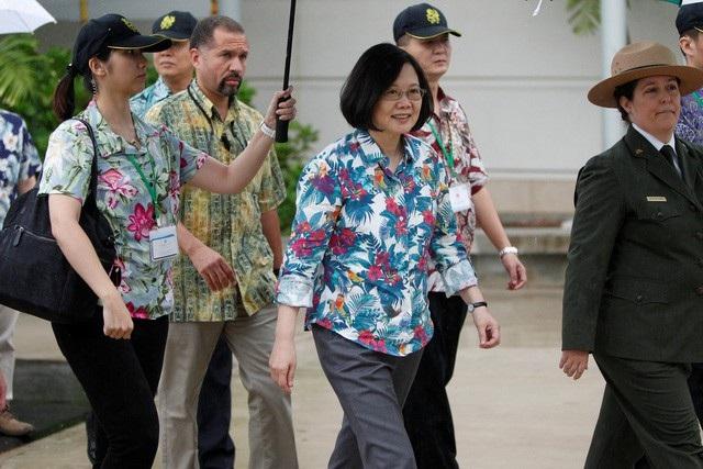 Lãnh đạo Đài Loan Thái Anh Văn tới thăm đài tưởng niệm USS Arizona tại Hawaii năm 2018 (Ảnh: Reuters)