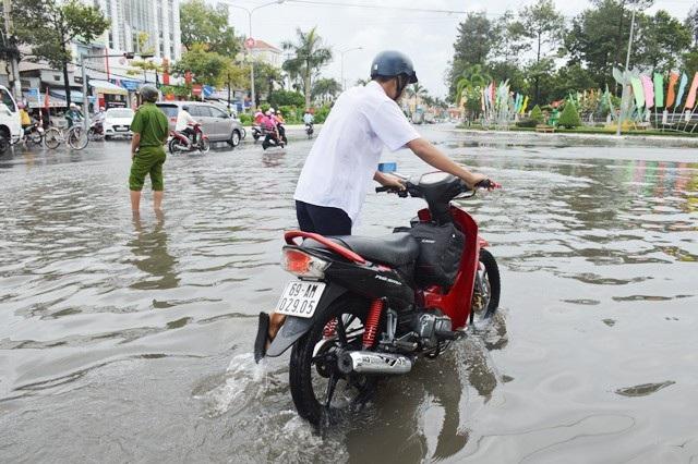 Mưa lớn gây ngập ở Cà Mau. (Ảnh: CTV)