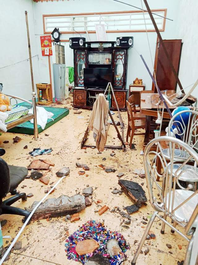 Cảnh tan hoang ở vùng ven biển Bạc Liêu sau lốc xoáy, mưa lớn - 3