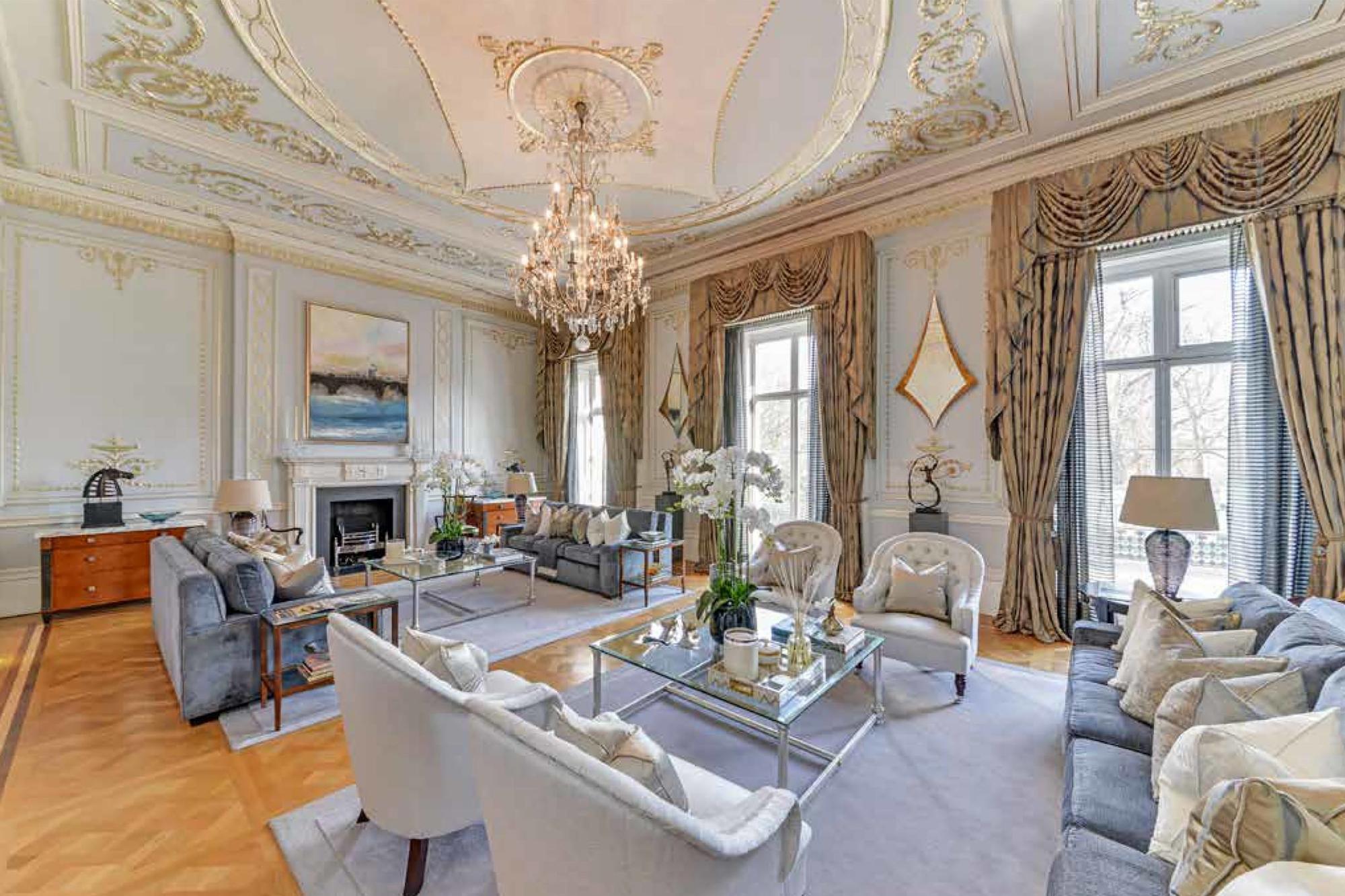 Chiêm ngưỡng căn biệt thự cổ ở Anh có giá hơn 1.700 tỷ đồng - Ảnh 3.