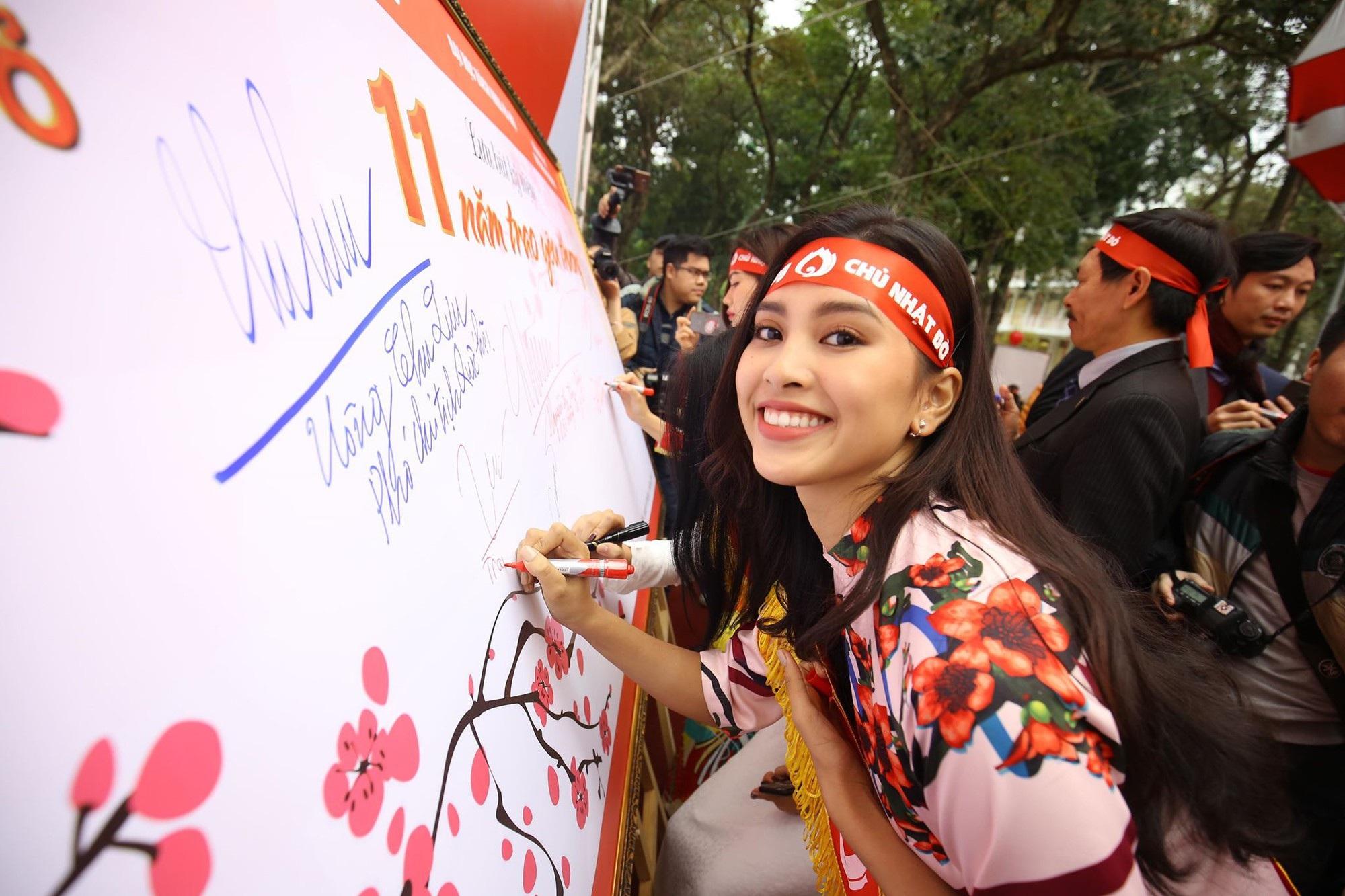 Hoa hậu Trần Tiểu Vy, cầu thủ Đình Trọng, Văn Quyết kêu gọi hiến máu tình nguyện - Ảnh 1.