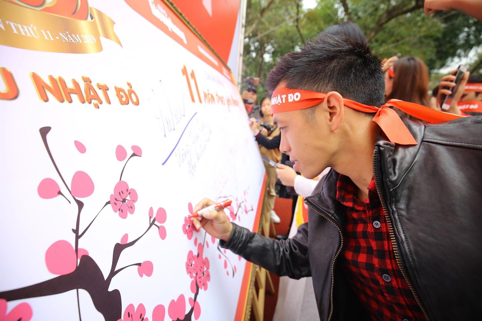 Hoa hậu Trần Tiểu Vy, cầu thủ Đình Trọng, Văn Quyết kêu gọi hiến máu tình nguyện - Ảnh 5.