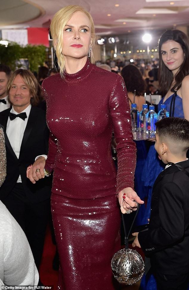 Kelleth còn xuất hiện trong một khuôn hình vội vã trên thảm đỏ của Nicole Kidman.