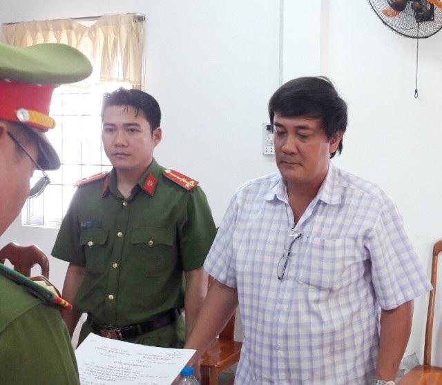 Bắt 2 cán bộ phòng khám không liên quan đến khiếu kiện Chủ tịch tỉnh Cà Mau - Ảnh 3.